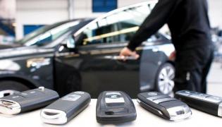 Dostanie się do upatrzonego samochodu i jego kradzież nie zostawiało żadnych śladów uszkodzeń