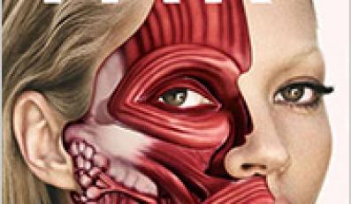 Kate Moss obdarto ze skóry