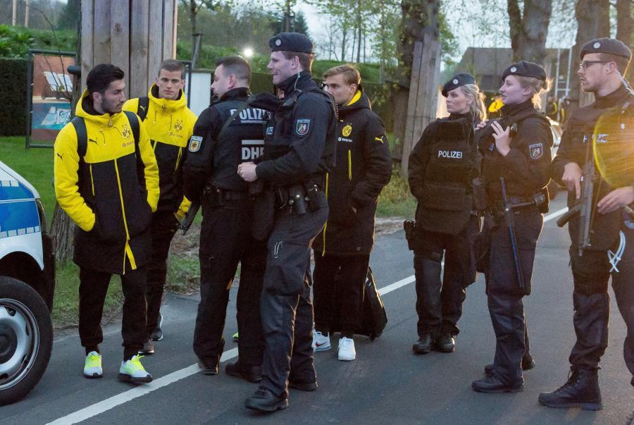 Policja i piłkarze Borussii Dortmund