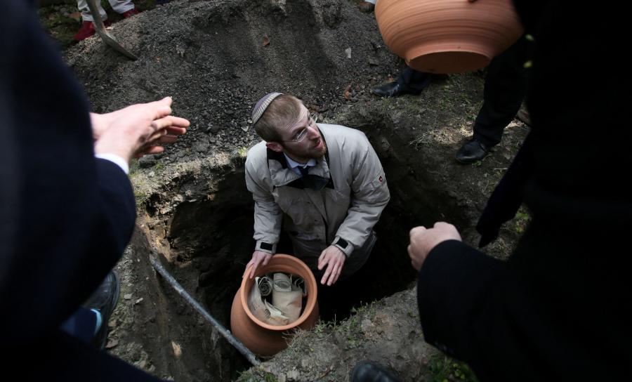 Pogrzeb Tory