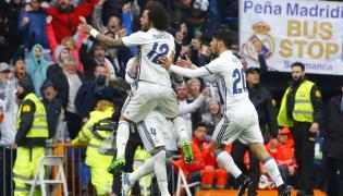 Marcelo cieszy się z gola w meczu z Valencią