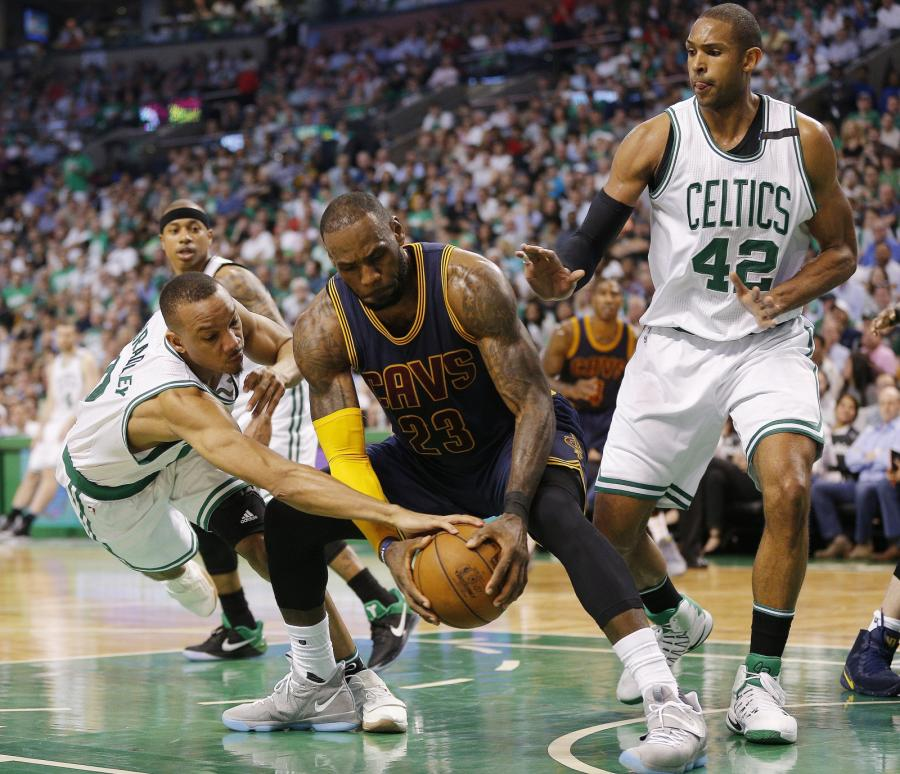 LeBron James, Boston Celtics Avery Bradley i Al Horford