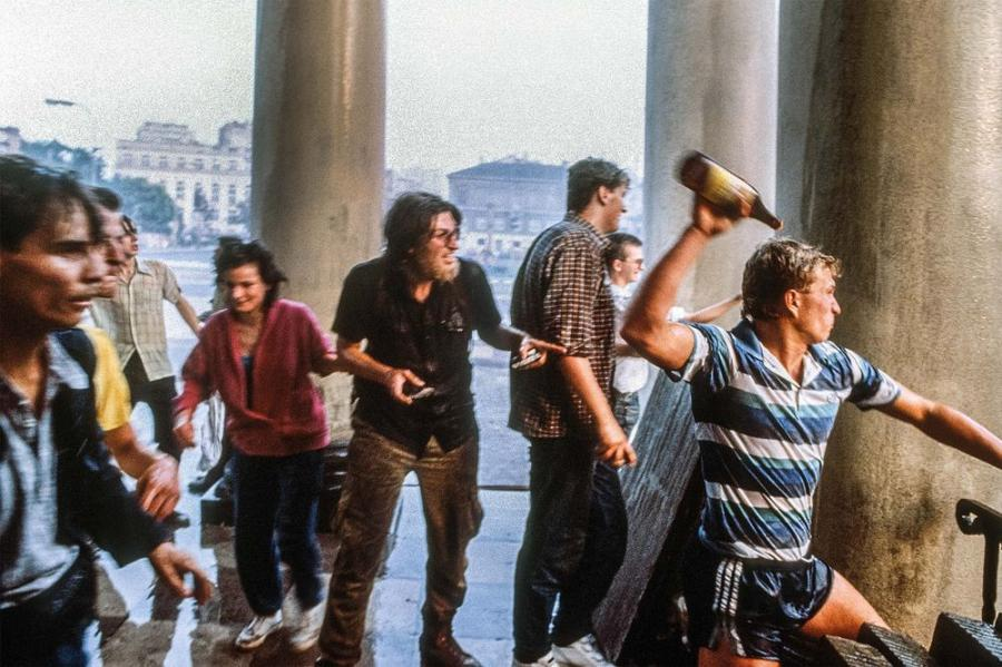 Po wyborach 1989. Anty-Jaruzelska demonstracja; Plac 3 Krzyży, 30.06.1989 / Fot. Chris Niedenthal