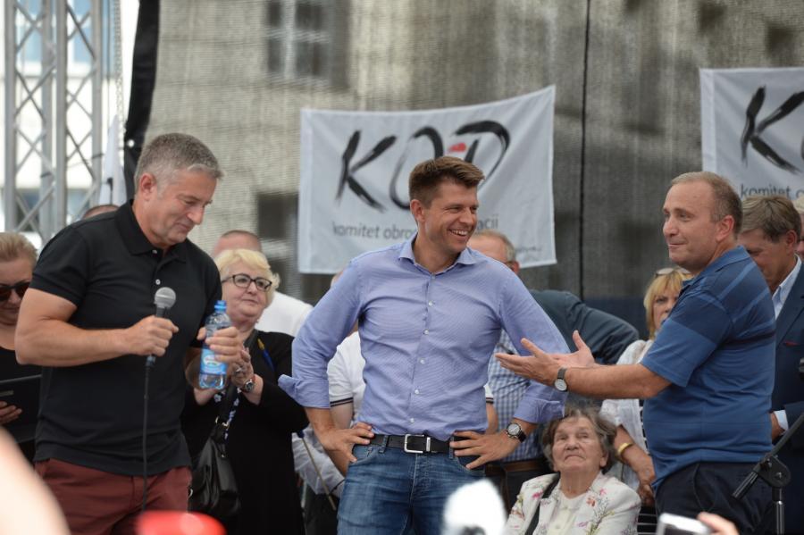 Opozycja przed Sejmem