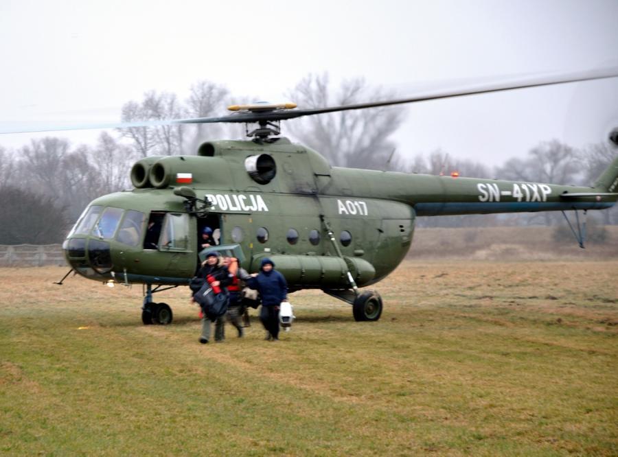 Policyjny helikopter uratował wędkarzy