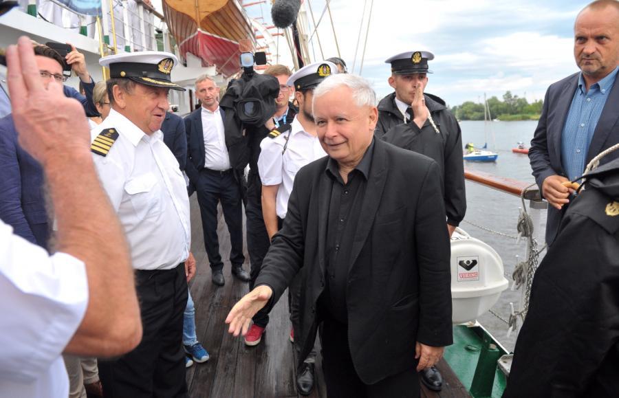 Zadowolony Jarosław Kaczyński