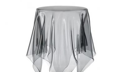 Stolik-widmo nie tylko dla medium