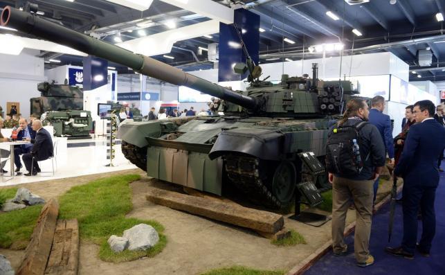 Czołg PT-91M2 zaprezentowany podczas XXV Międzynarodowego Salonu Przemysłu Obronnego