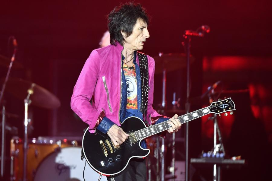 Ron Wood podczas koncertu The Rolling Stones w Zurychu, 20.09.2017