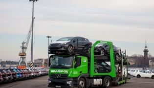 Do portu w Gdańsku dotarł transport aut KIA ze Słowacji