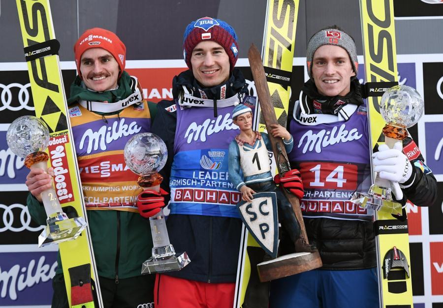 Kamil Stoch (w środku)