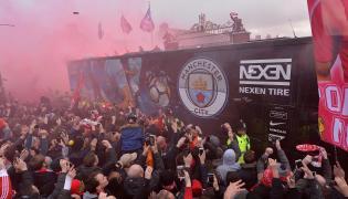 Kibice Liverpoolu zaatakowali autokar z piłkarzami Manchesteru City