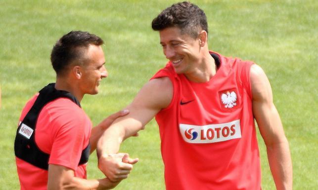 58d7d5a49 Temat transferu kapitana reprezentacji Polski jest obecny w mediach od  kilku miesięcy. Polak najczęściej łączony jest z Realem Madryt, ale  wspomina się też ...