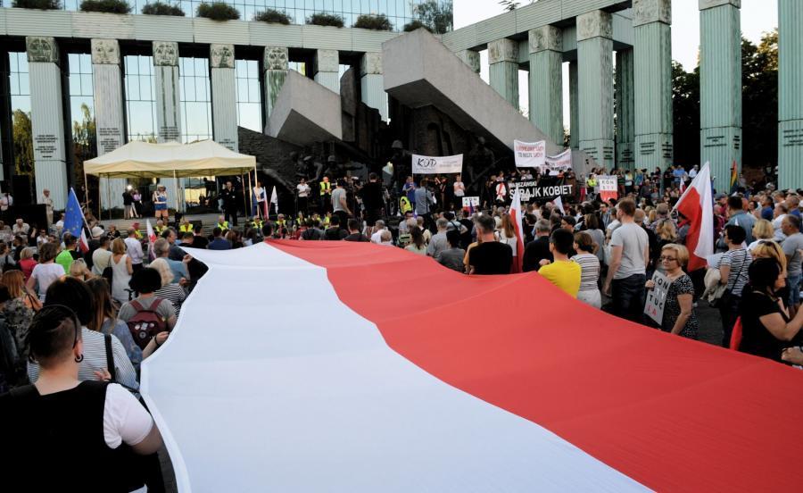 Manifestacja przeciwników reformy sądownictwa