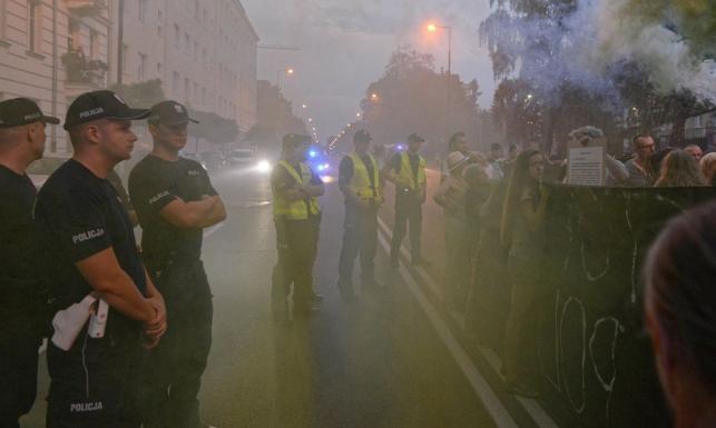 Gen. Rapacki o działaniach policji: Naciski idą z samej góry