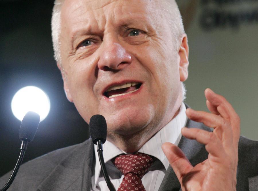 Niesiołowski: Podłe kreatury winią rząd za śmierć Polaka