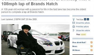 107-latka w samochodzie rajdowym