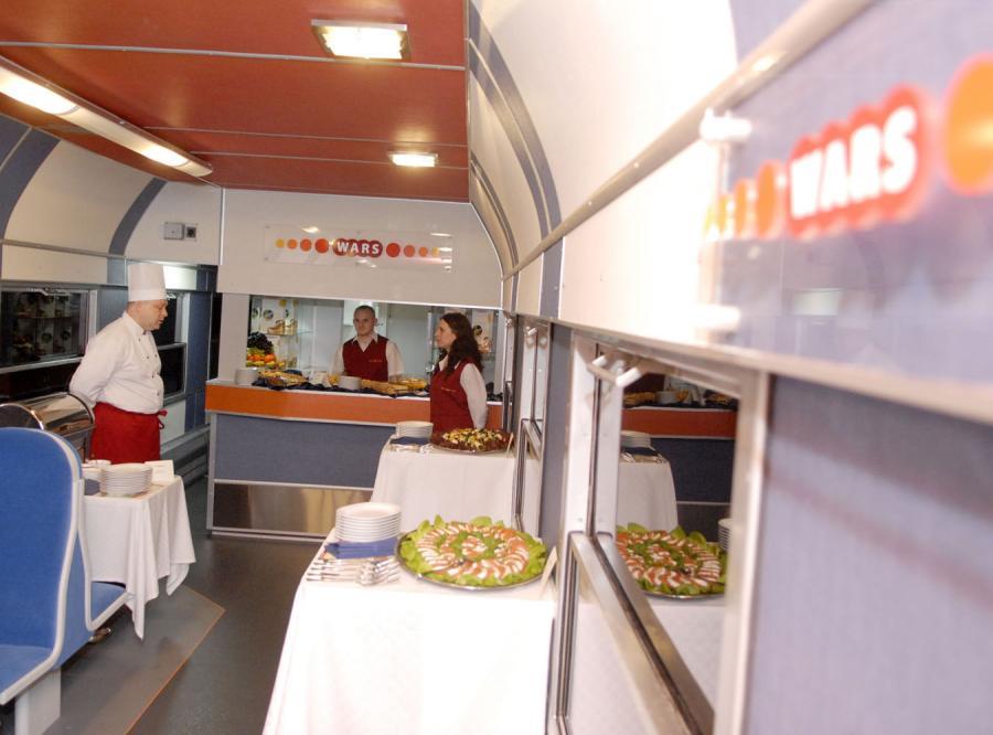 Komisja Przyjazne Państwo, chce zniesienia zakazu sprzedaży alkoholu w pociągach
