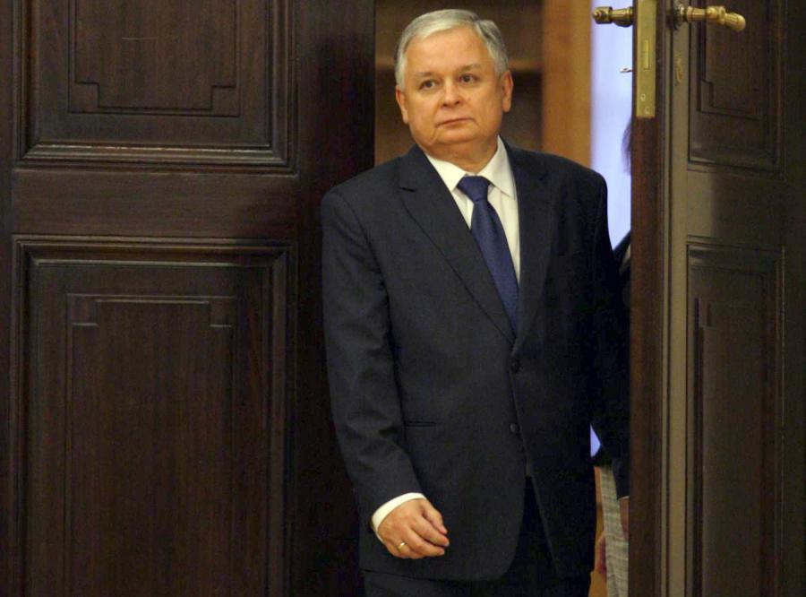Lech Kaczyński korzysta z prawa łaski o wiele rzadziej niż jego poprzednicy.
