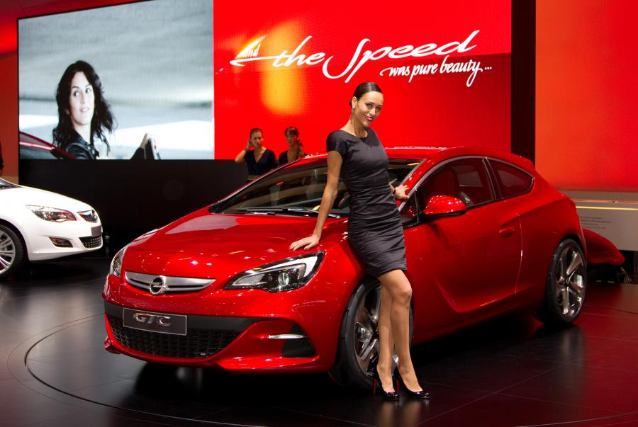 Prototyp - Opel Astra GTC Paris