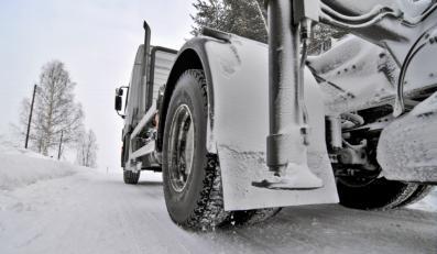 Uwaga kierowcy! Lód tłucze szyby samochodów