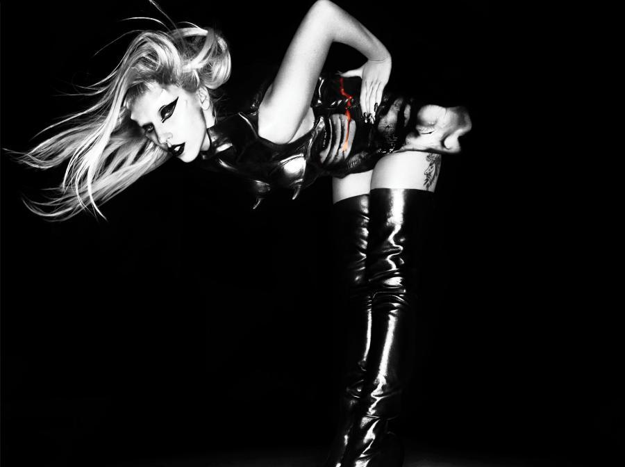 Lady GaGa z piosneką pod choinką
