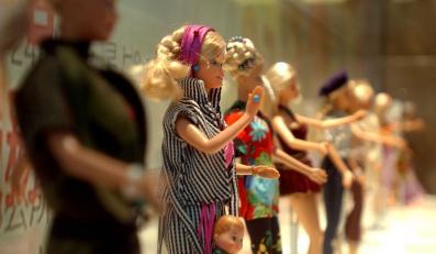Barbie niszczy tropikalne lasy