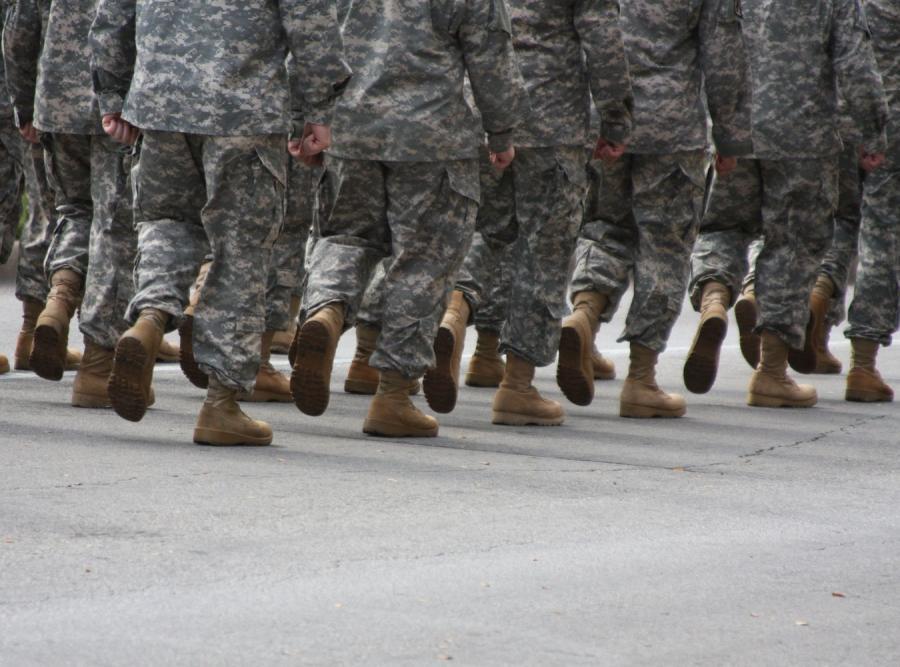 Zaopatrzeniowiec przerabiał psie żarcie na konserwę dla wojska