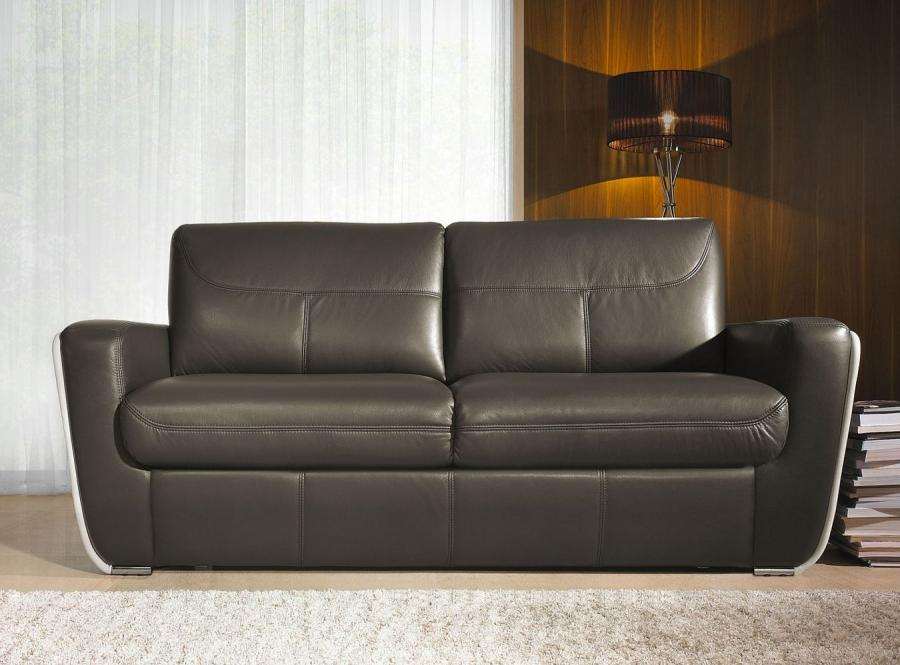 Klasyczna sofa do naszego mieszkania