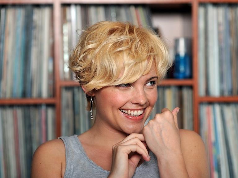 Ania Dąbrowska zaśpiewa w Wytwórni