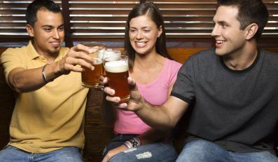 Przyjaźń z kumplami partnera może mieć negatywny wpływ na życie erotyczne