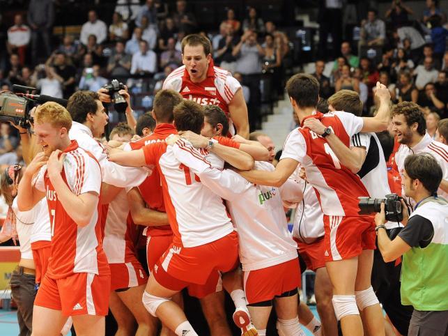 Polacy cieszą się ze zwycięstwa