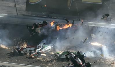 Wypadek, w którym zginął Dan Wheldon na torze w Las Vegas