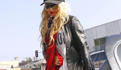Christina Aguilera coraz bardziej szokuje sposobem ubierania się.