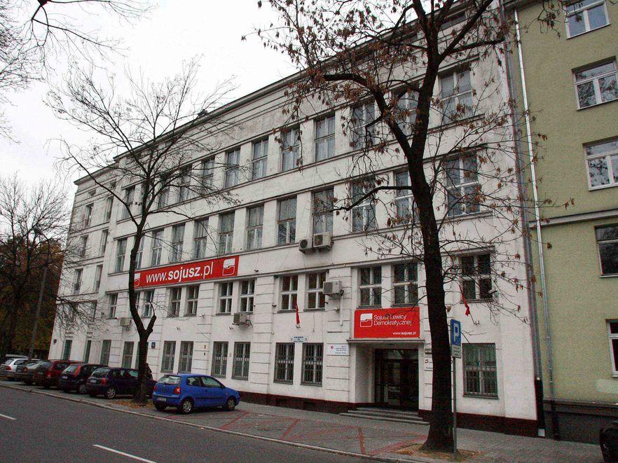 Warszawskie SLD szuka pieniędzy ze sprzedaży siedziby partii przy Rozbrat