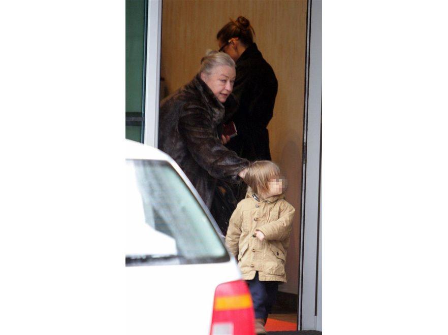 Alicja Bachleda-Curuś z synem w Polsce