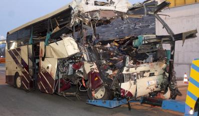 Rozbity belgijski autokar