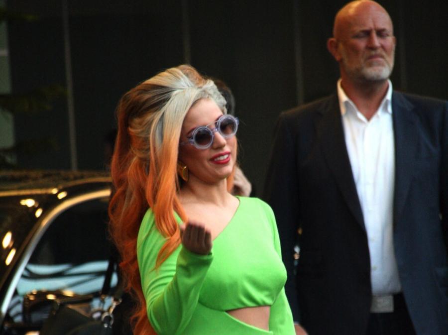 Lady Gaga na lotnisku w Tajpej