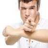 Mowa ciała - najbardziej irytujące gesty