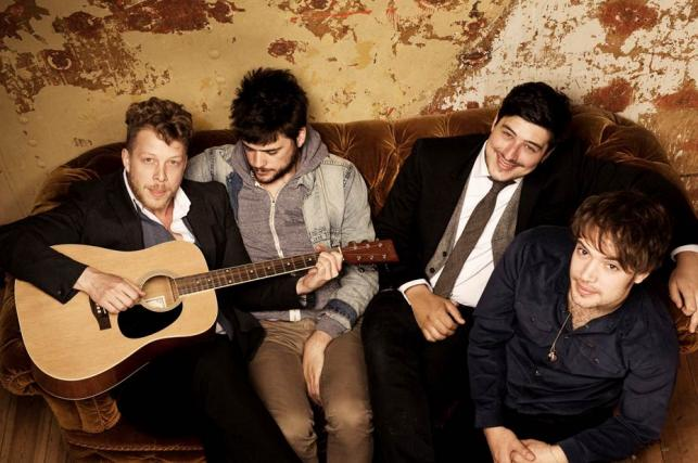 Mumford & Sons nową płytą biją rekordy