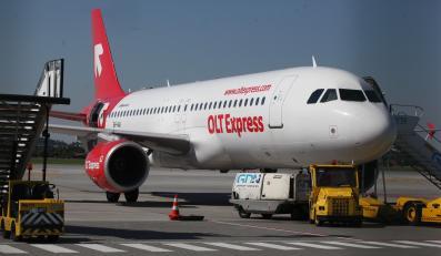 Samolot w barwach OLT