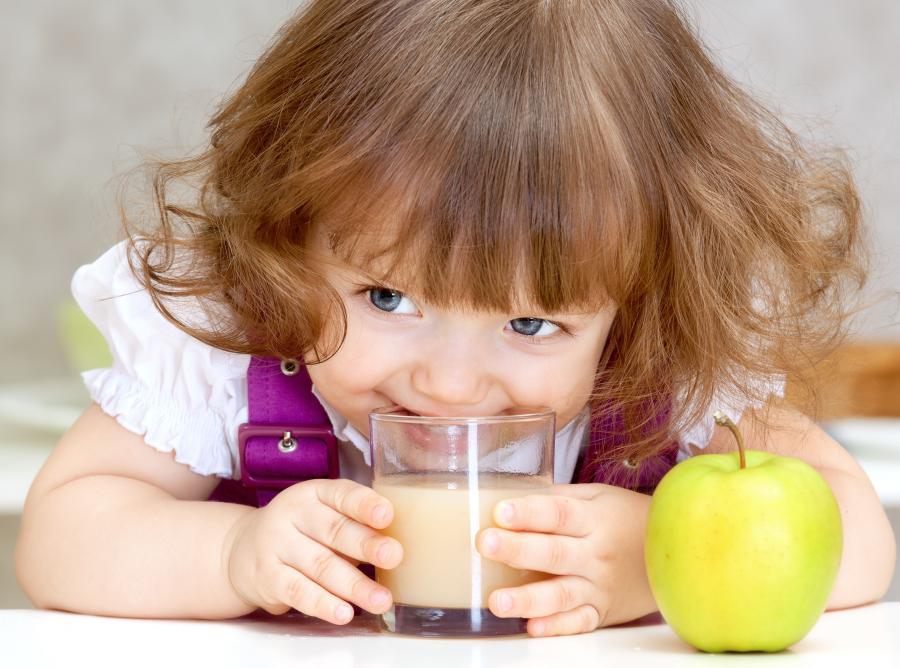 Soki owocowe szkodzą zębom
