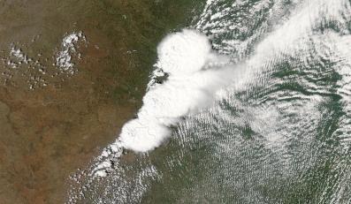 Tornado widziane z kosmosu