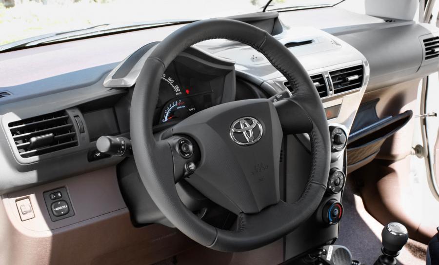 Toyota iQ seryjnie dostanie klimatyzację i ESP