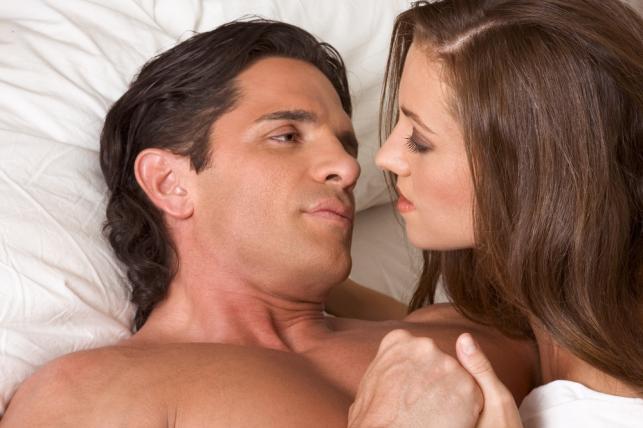 Pytania, których mężczyźni nie chcą słyszeć od kobiety przed pójściem z nią do łóżka