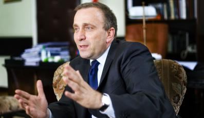Schetyna: Kompromitacja ludzi prezydenta