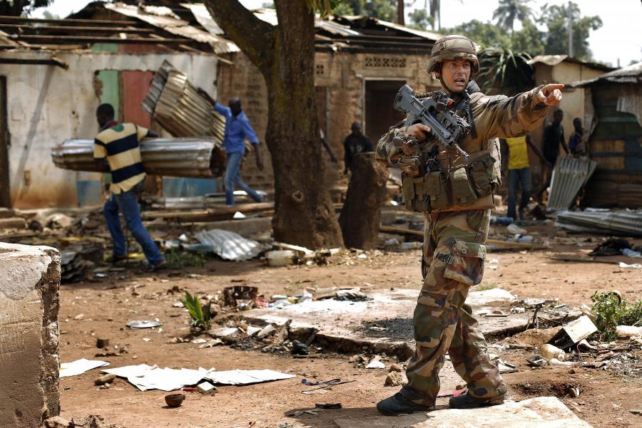 Francuski żołnierz w Bangui w Republice Środkowoafrykańskiej