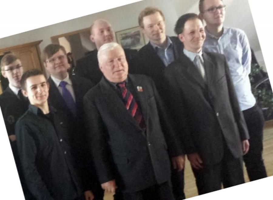Lech Wałęsa bez wąsów