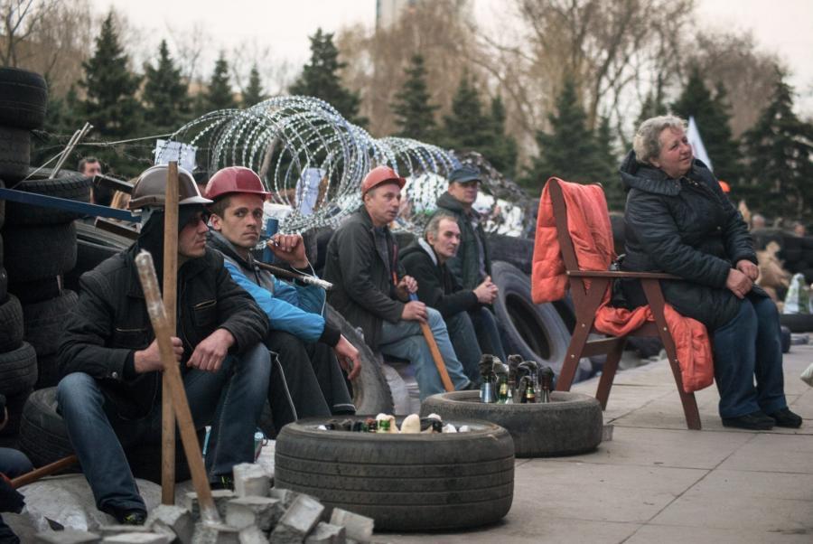 Prorosyjscy protestujący w Doniecku