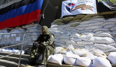 Budynek okupowany w przez prorosyjskich aktywistów w Słowiańsku na Ukrainie